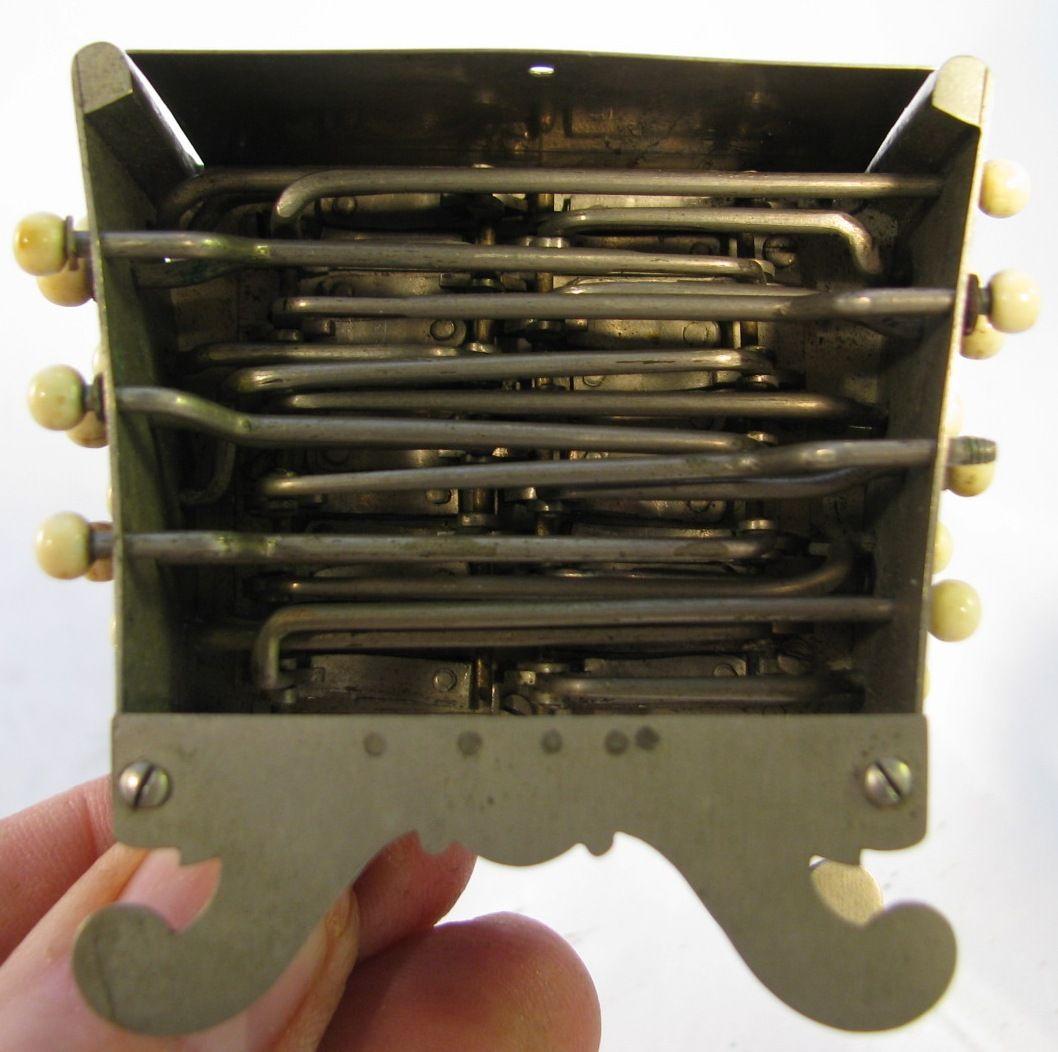 http://www.concertinamuseum.com/Images/C15/C15001-003f1a.jpg